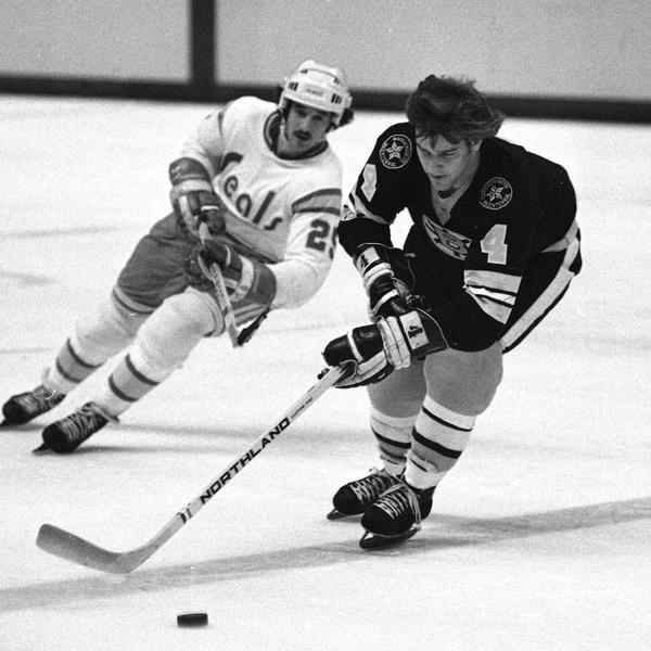 21 Reasons Why Bobby Orr Is Hockey's GOAT
