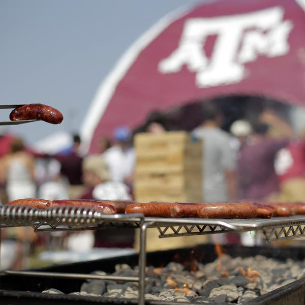 25 Best College Football Tailgate Experiences, Ranked