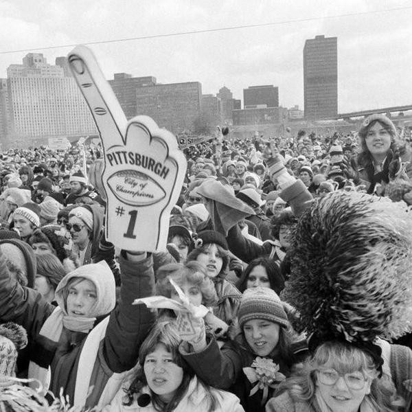 A crowd of over 10,000 gather at Point State Park in Pittsburgh, Feb. 2, 1980 as the people of the city Pittsburgh officially welcome home the Steelers. The Steelers became the first team to win four Super Bowl trophies when they beat the Los Angeles Rams on Jan. 20 at the Rose Bowl. (AP Photo/R. C. Greenawalt)